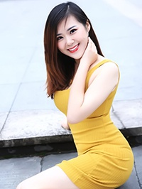Asian woman Shuwei (Linda) from Hangzhou, China