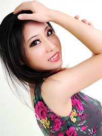 Asian woman Jingxian (Cindy) from Shenzhen, China