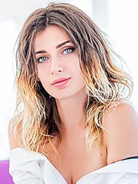 Russian single woman Elena from Mariupol, Ukraine