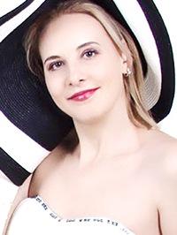 Russian woman Olena from Kherson, Ukraine