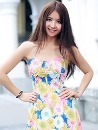 Asian woman Ningqian (Nina) from Lianzhou, China
