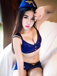 Asian woman Yinlin (Lydia) from Dongguan, China