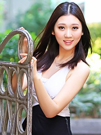 Asian Bride Yutong (Polinana) from Zhanjiang, China