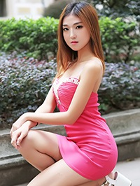 Asian woman Peiyi (Pely) from Guangzhou, China