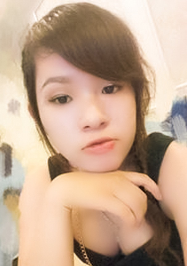 Single girl Tran 21 years old