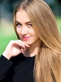 Single Olena from Stepanovka, Ukraine