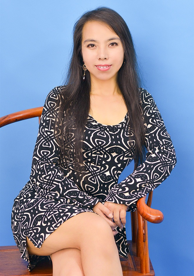 Single girl Xiuying (Zoey) 45 years old