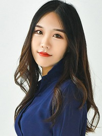 Asian woman Yunqing (Elsa) from Shenyang, China
