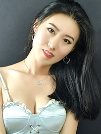 Single Yujia (Eve) from Dandong, China