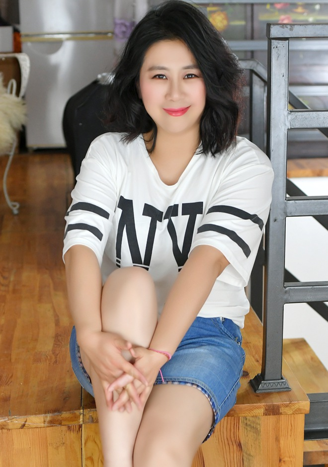 Single girl Xia (Pag) 43 years old