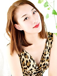 Asian woman Yue (Hannah) from Shenyang, China