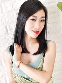 Single Haina (Lynn) from Shenyang, China