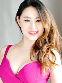 Asian woman Yue (Charcy) from Shenyang, China