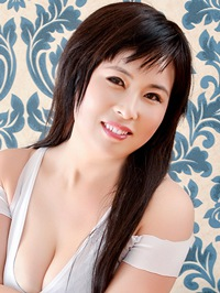 Asian woman Jialing from Fushun, China