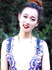 Asian Bride Yuanping from Pulandian, China