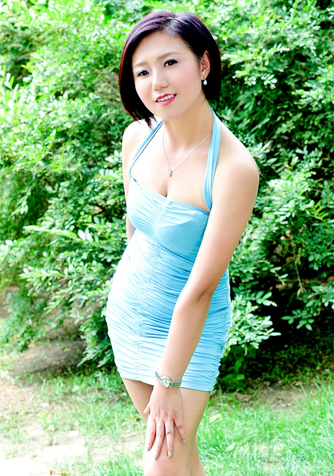 Asian bride Xiaoling from Kaiyuan