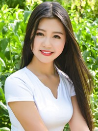 Asian woman Xinxin from Chifeng, China