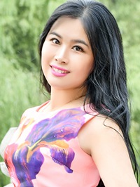 Asian woman Yang (Lorraine) from Fushun, China