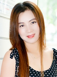 Asian woman Fengying (Yvonne) from Tieling, China
