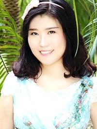 Asian woman Daisy from Jinan, China