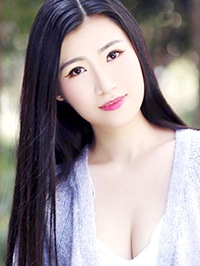 Single Ya Qiong from Changsha, China