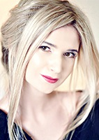 Russian single Ekaterina from Rovno, Ukraine