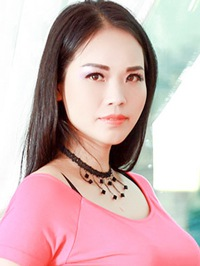 Asian woman Xiaoling from Chongqing, China