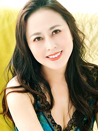 Asian woman Yaqiu (Rhea) from Fushun, China