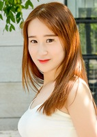 Single Shuang (Sharon) from Dalian, China