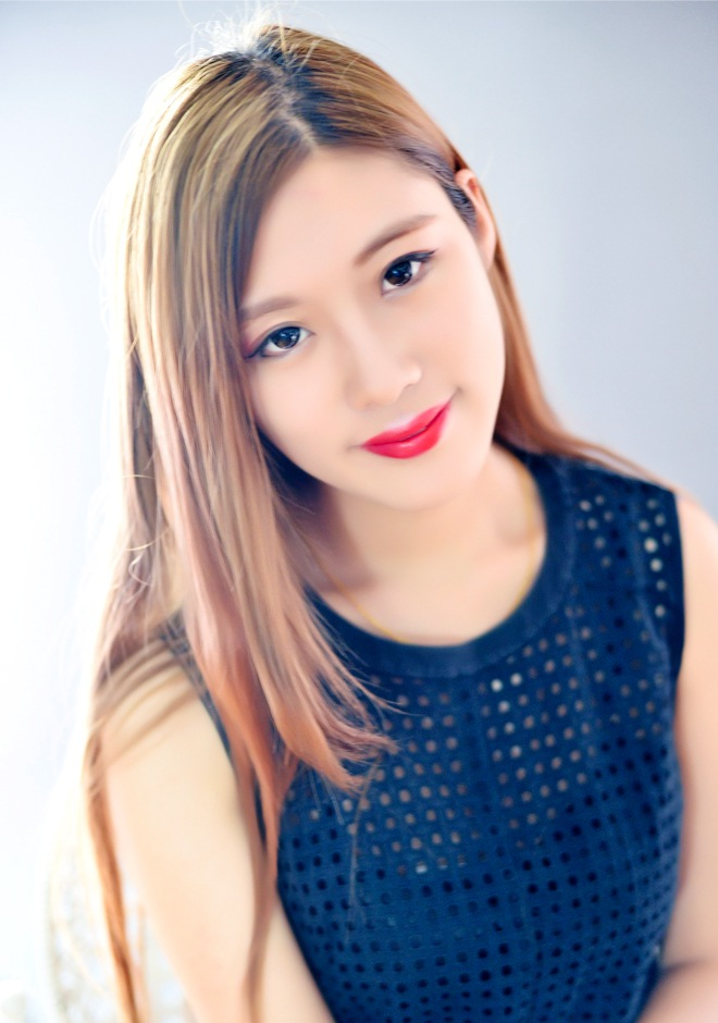 Single girl RuiFei (Jessy) 23 years old