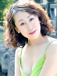 Single Chengxiang (Lucy) from Fushun, China