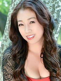 Single Ying (Evelyn) from Fushun, China