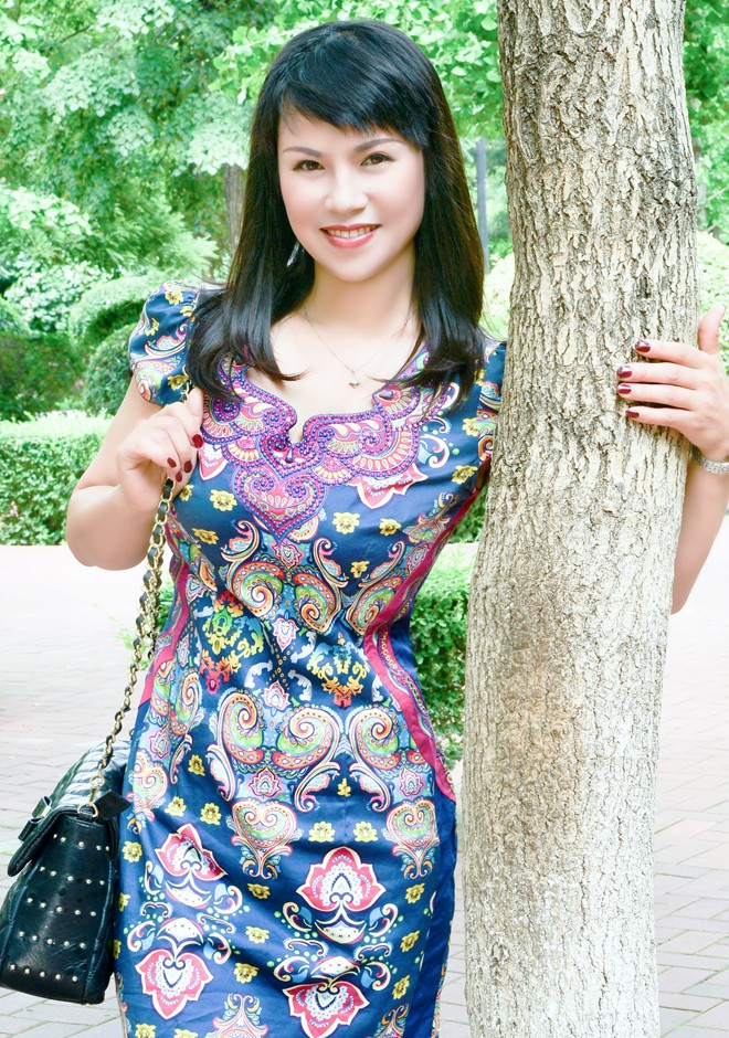 Asian bride Xiujie (Alise) from Shenyang