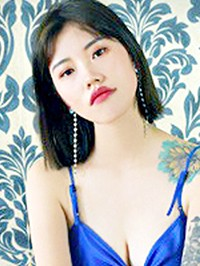 Asian woman Xue (Snow) from Tieling, China
