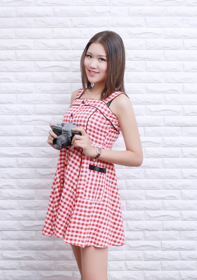 Single girl Xiaowei 21 years old
