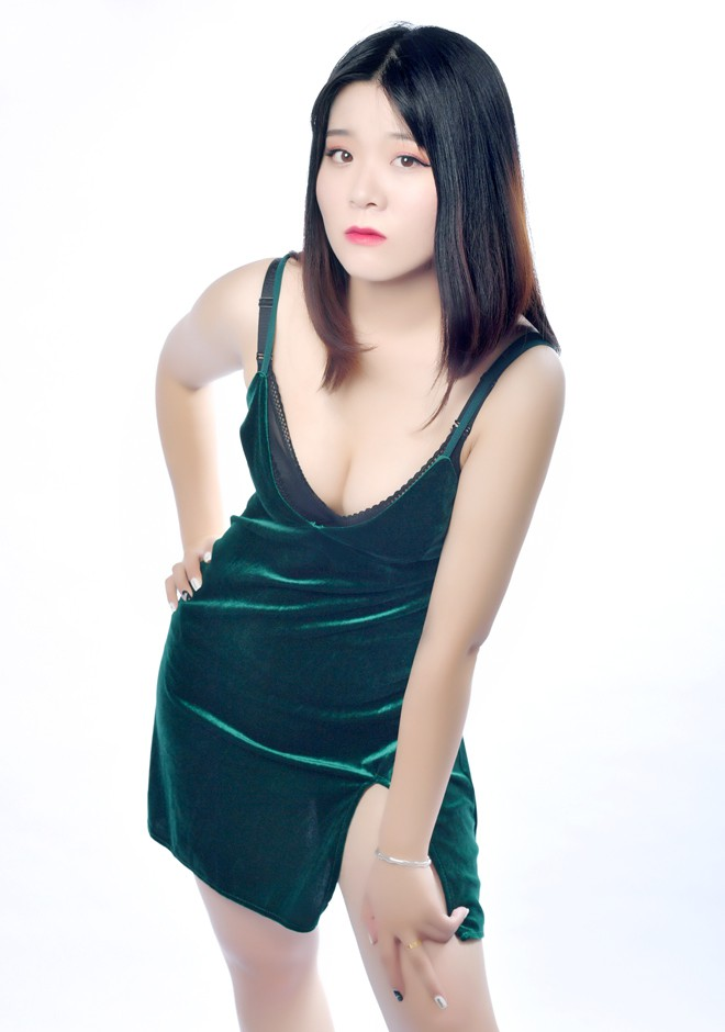 Single girl Jialiang 22 years old