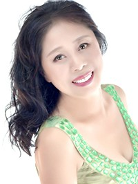 Single Lizhi (Flavia) from Shenyang, China
