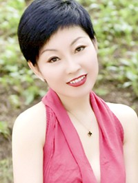 Single Dongmei (Julia) from Renqiu, China