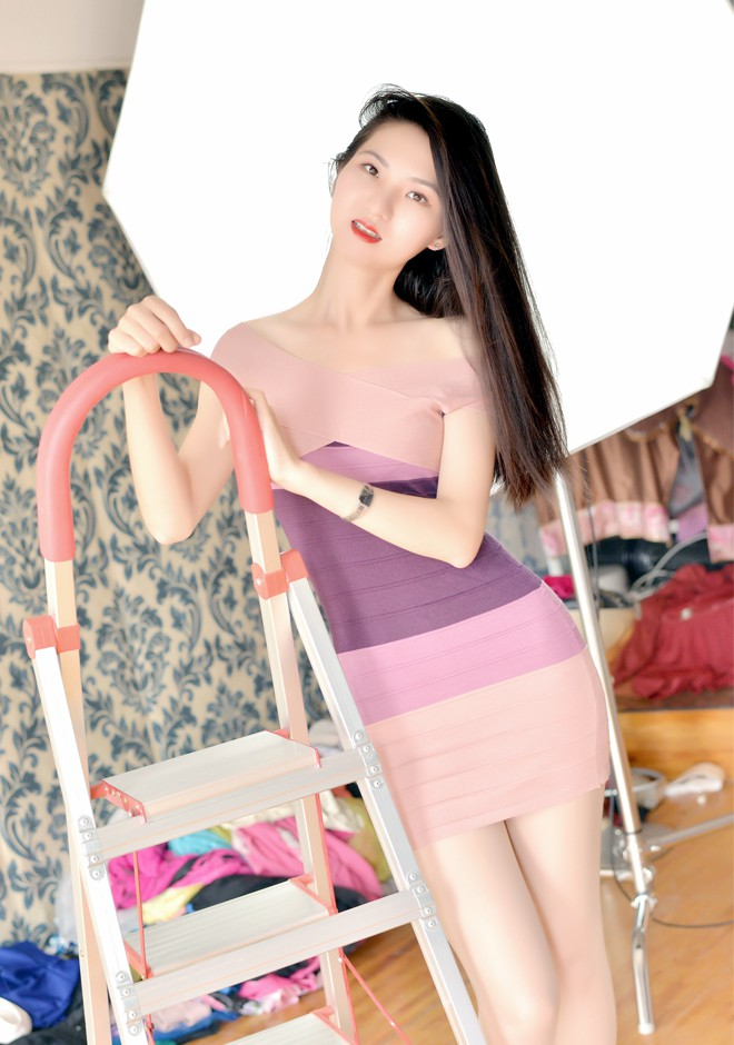 Single girl Tianyue 25 years old