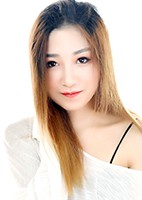 Russian single Ning from Zhoukou, China