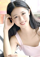 Single Zhuo (Lucy) from Shenyang, China