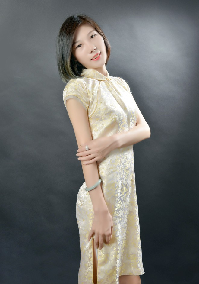 Asian bride Guanyu from Shenyang