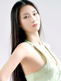 Single Yihan from Shenyang, China