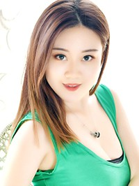 Asian woman Zhuoqun from Shenyang, China