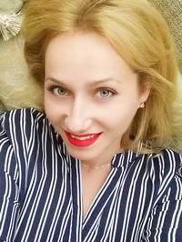 Single Alla from Chervonopartizansk, Ukraine
