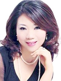 Asian woman Huamin from Zhuhai, China