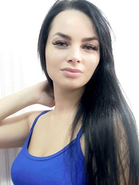 Single Alina from Kherson, Ukraine