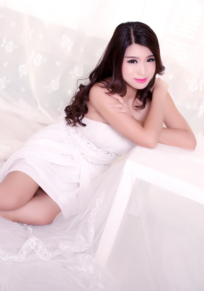 Asian bride Xueying (Starry) from Shenyang