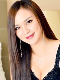 Asian woman Shuang from Fushun, China