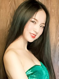 Asian single woman Min from Changsha, China